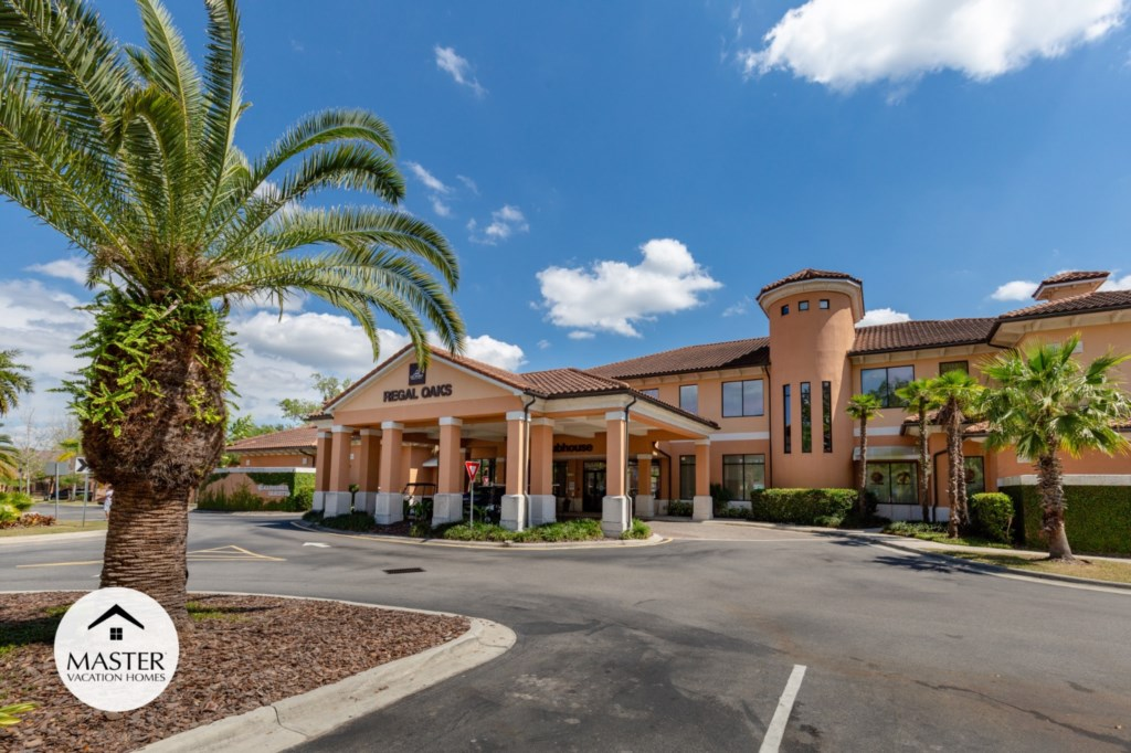 Regal Oaks Resort - Master Vacation Homes (29).jpg