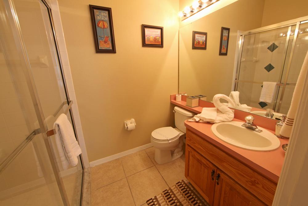 Queen-Master-Bathroom