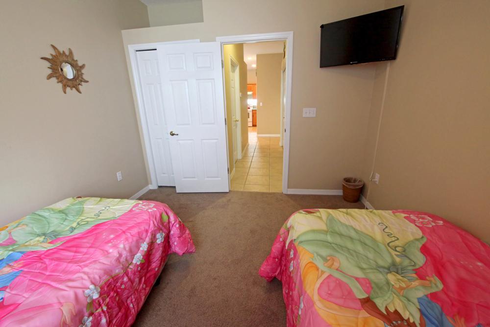 Twin-Bedroom-1