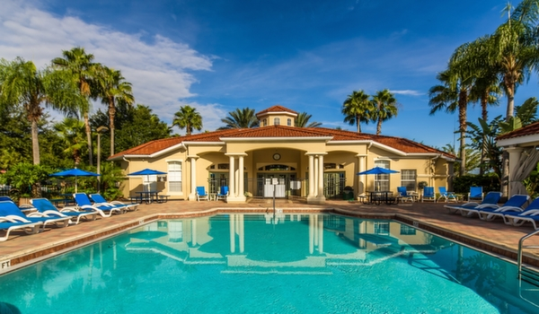 Emerald-Island-Resort-Clubhouse-Main-Pool