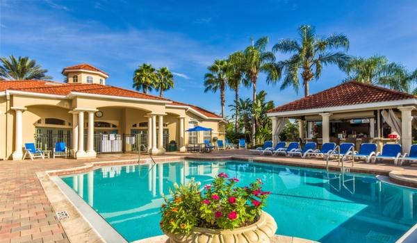 Emerald-Island-Resort-Clubhouse-Main-Pool-2