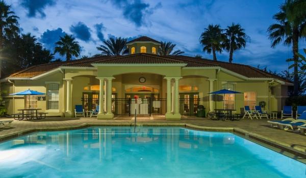 Emerald-Island-Resort-Clubhouse-Main-Pool-3
