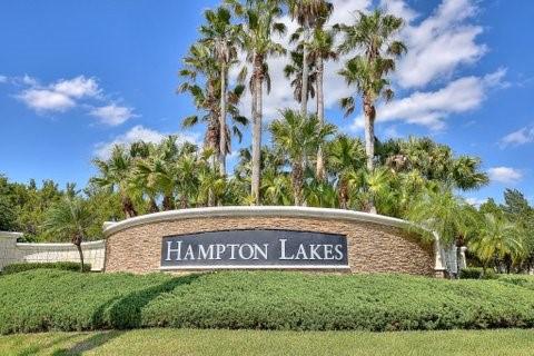 Hampton-Lakes-Entrance.jpg