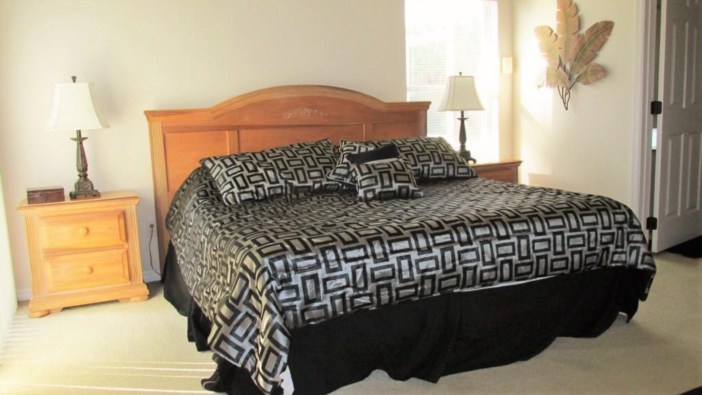 King-Master-Bedroom-1