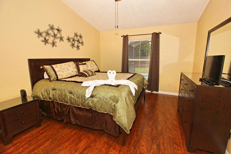 Master-King-Bedroom