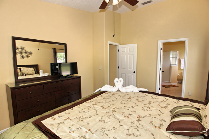 Master-King-Bedroom-With-Ensuite