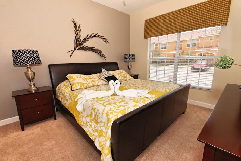 King-Bedroom-On-Main-Floor-1
