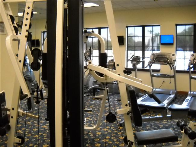 Paradise-Palms-Resort-Clubhouse-Fitness-Center