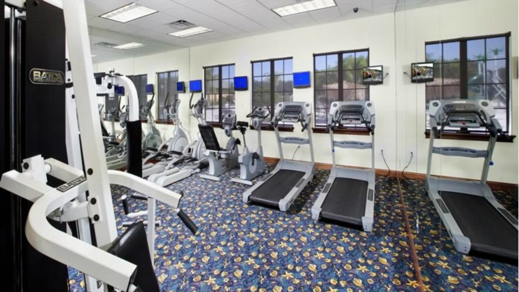 Paradise-Palms-Resort-Clubhouse-Gym