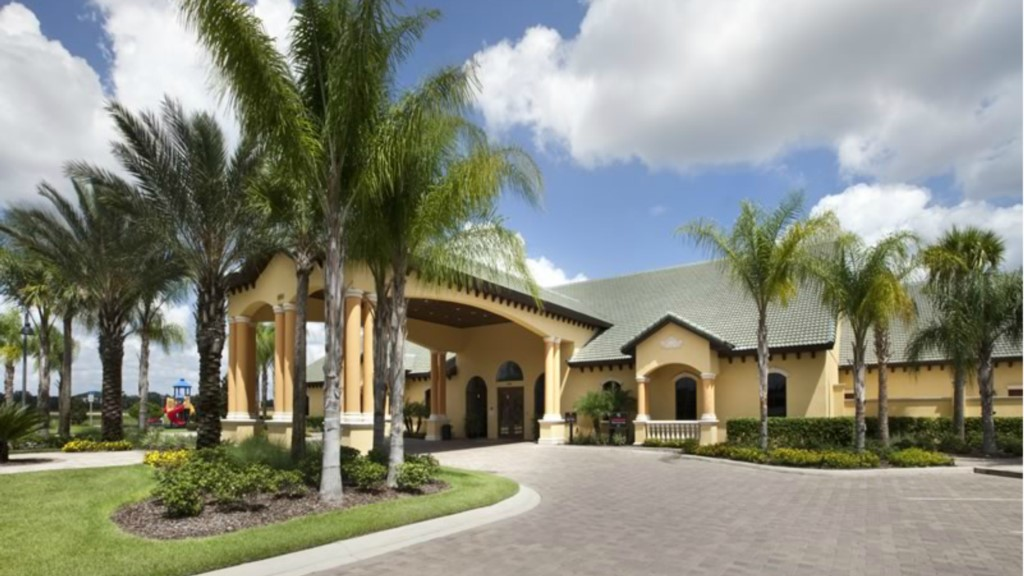 Paradise-Palms-Resort-Clubhouse