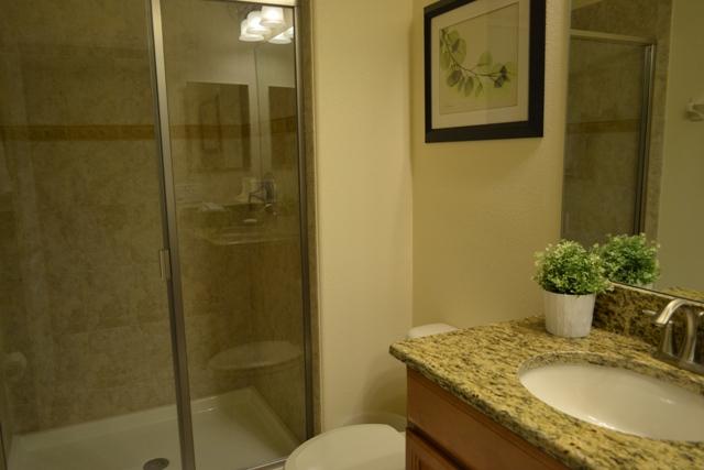 Main-Floor-Shared-Bathroom