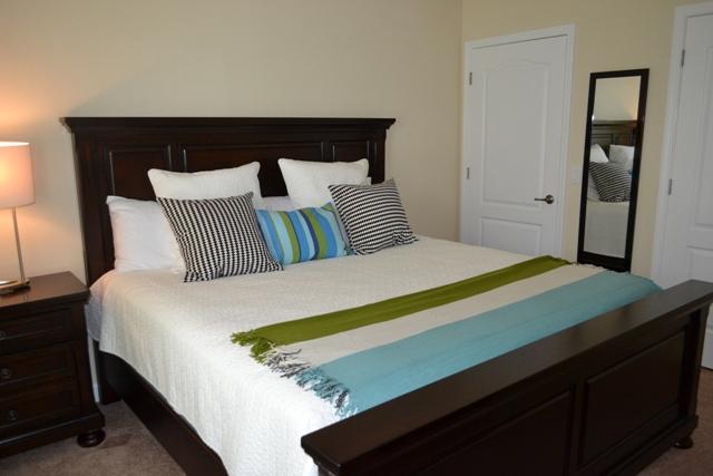 Queen-Bedroom-2