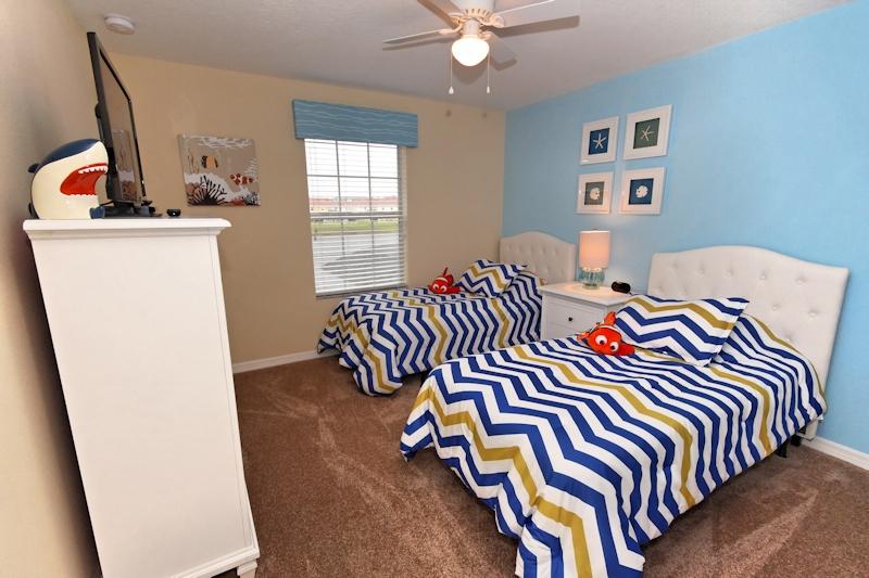Double-Twin-Bedroom