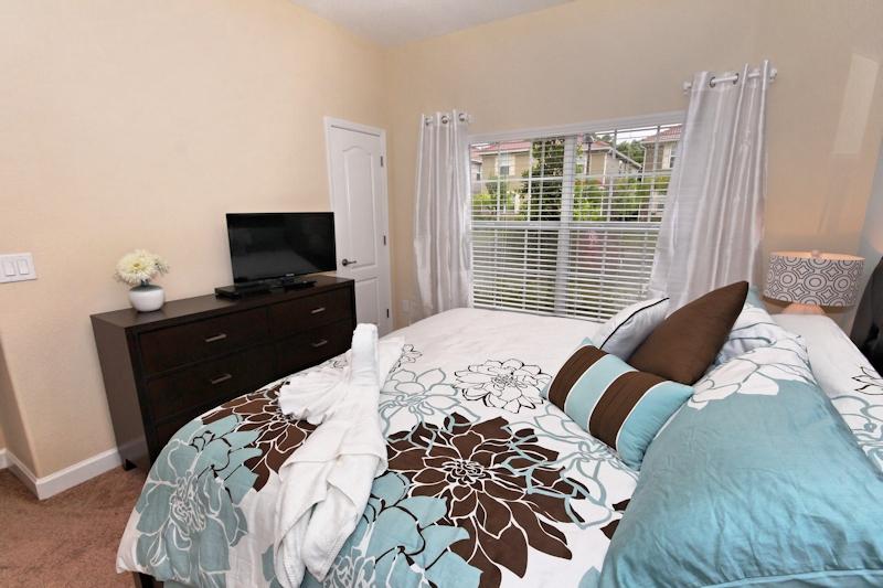 Main-Floor-Master-Bedroom-2