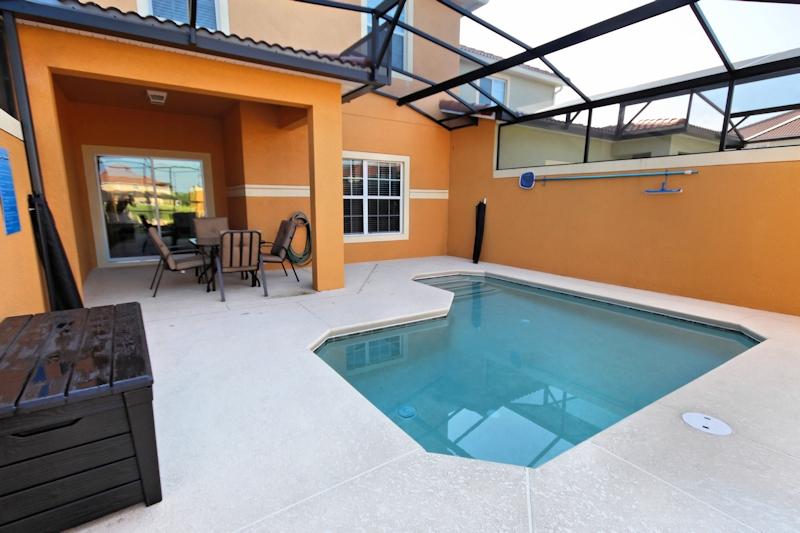 Private-Splash-Pool
