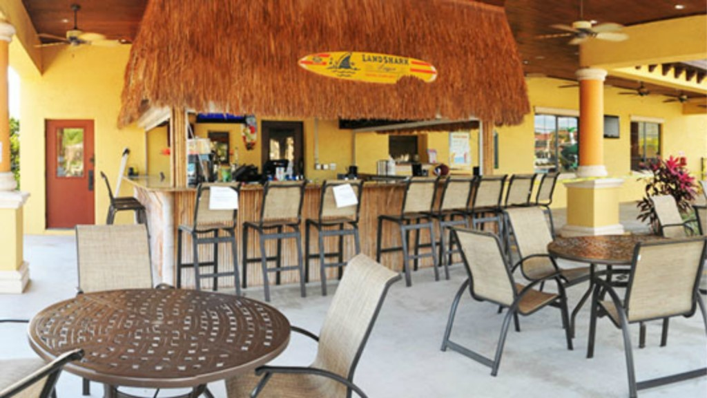 Paradise-Palms-Resort-Clubhouse-Tiki-Bar