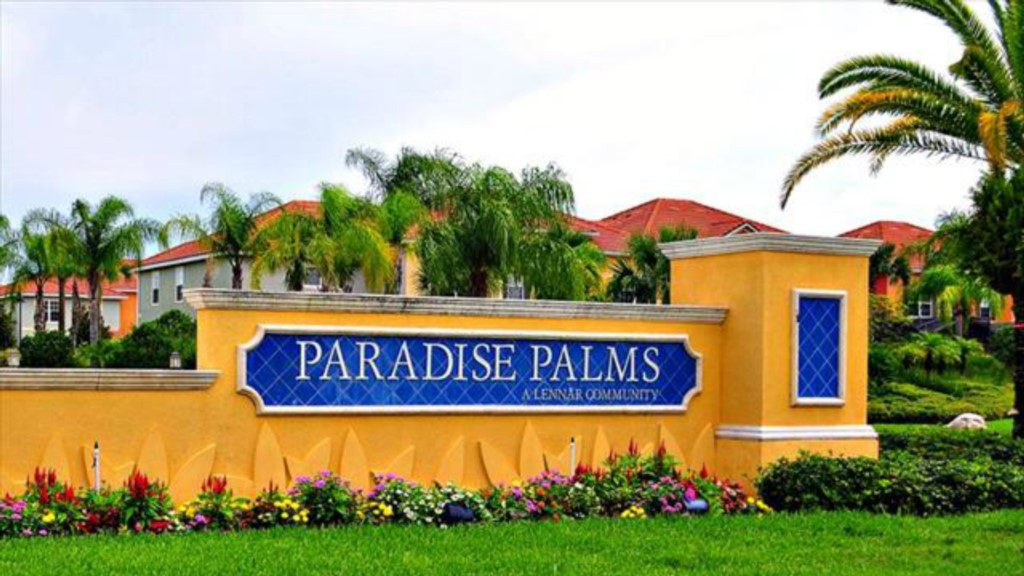 Paradise-Palms-Resort-Entrance-Logo