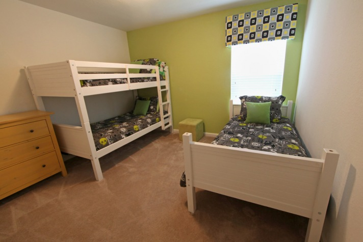 2nd floor bunkroom w/extra twin bed