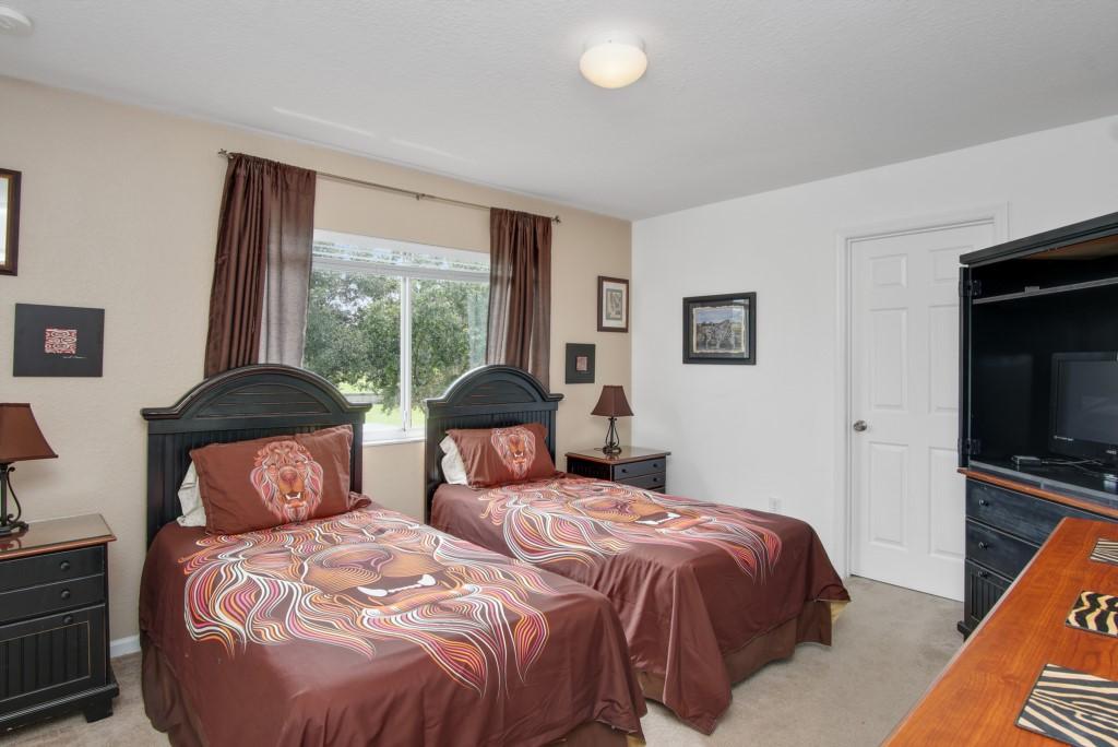 Twin-Bedroom-C1