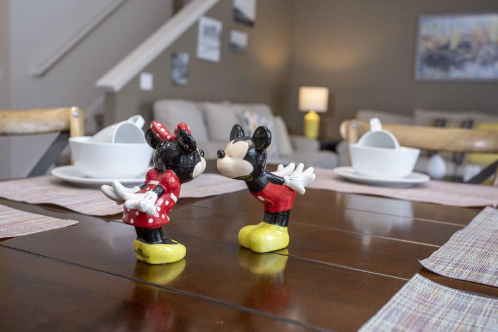 dinner room 3.jpg