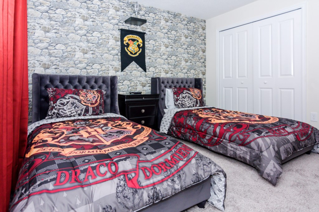 Harry Potter Bedroom 2.jpg