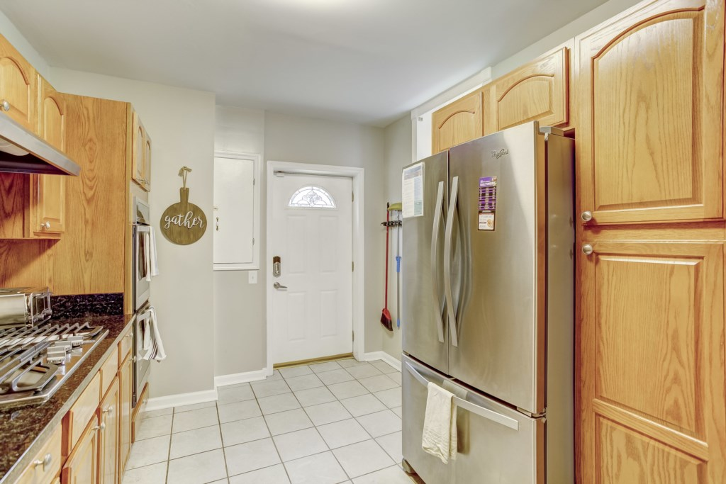 Kitchen Photo 2 of 5