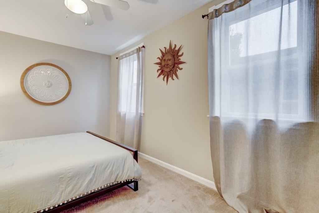 Master Bedroom Photo 2 of 3