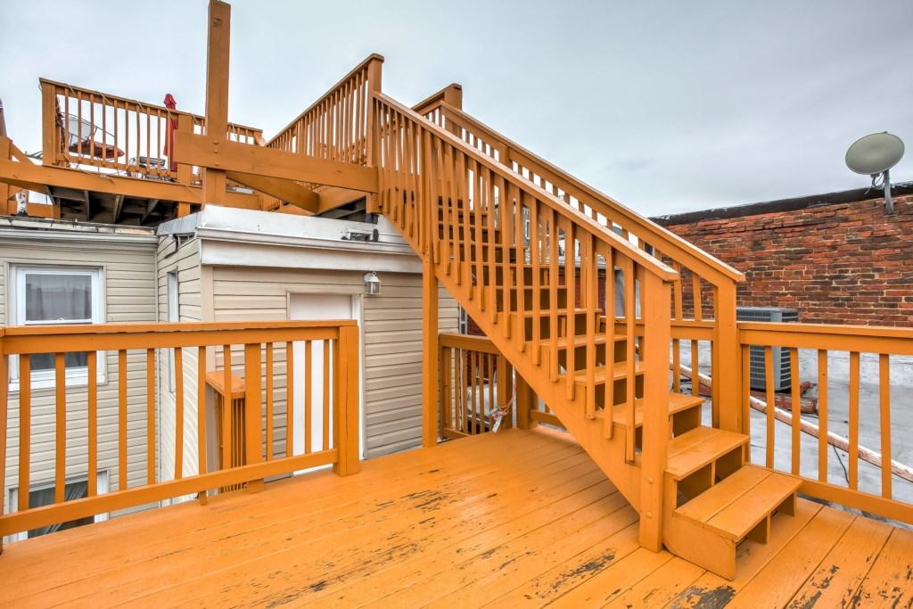 Rooftop Deck Photo 3 of 8