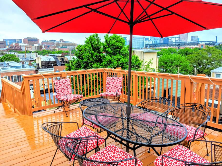 Kick back and relax in our massive, beautiful rooftop deck! Enjoy Baltimore's Skyline, perfect for y