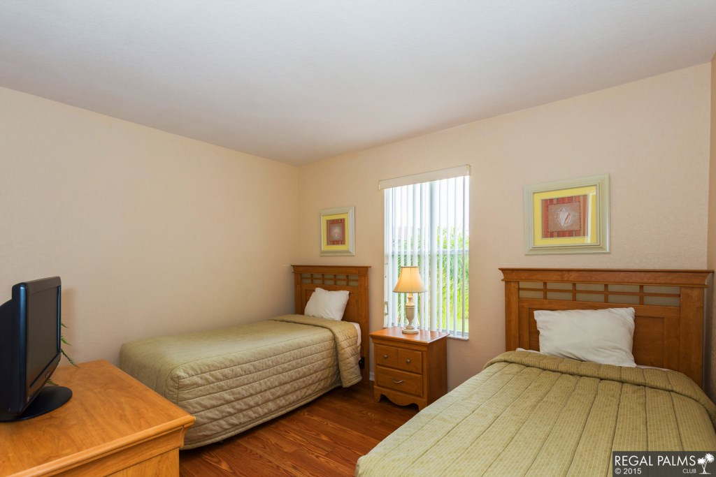 Standard Bedroom 2 Twins.jpg