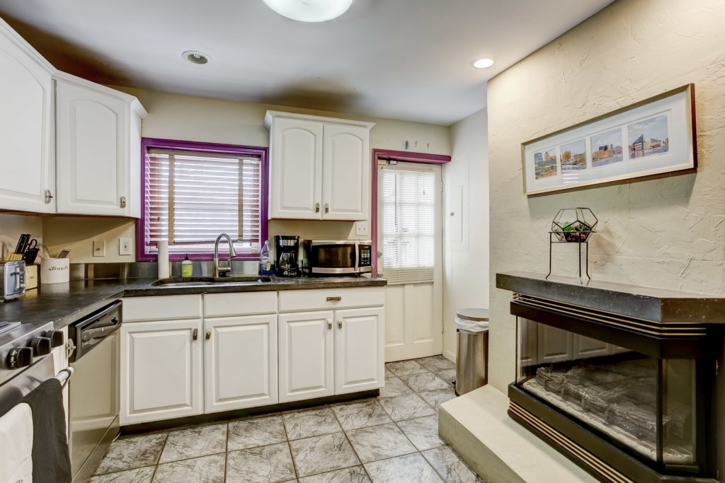 Kitchen Photo 1 of 3