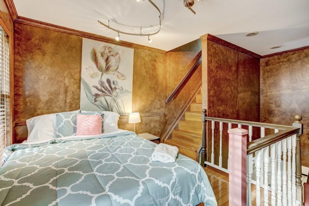 Guest Bedroom Photo 1 of 2