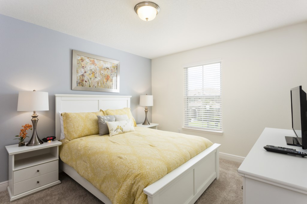 4328 Acorn Bedroom 4.jpg