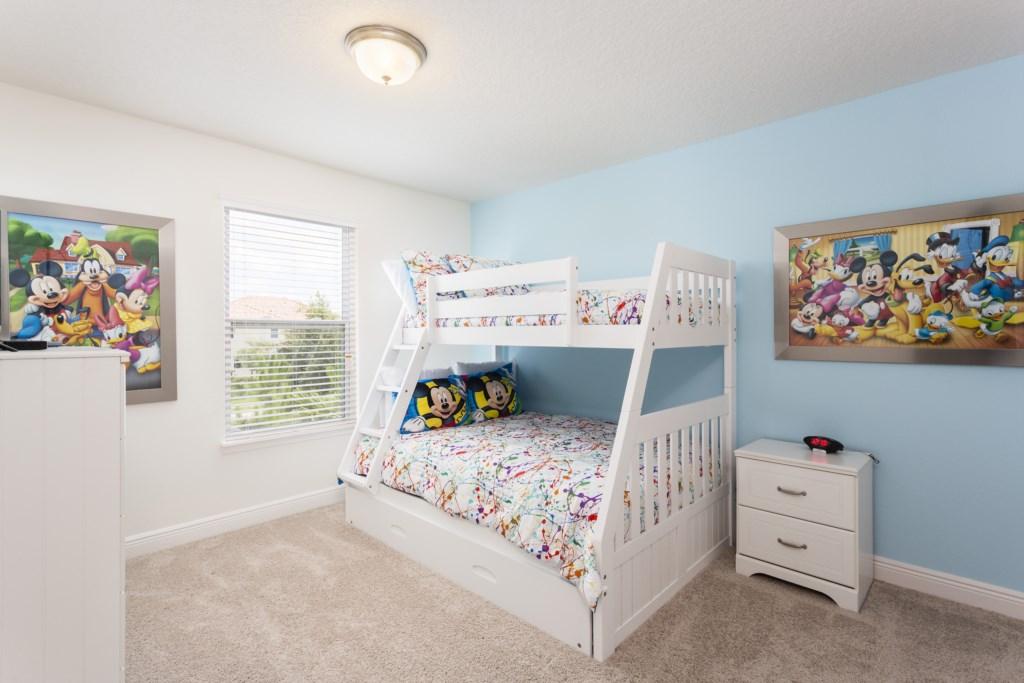 4328 Acorn Bedroom 5.jpg