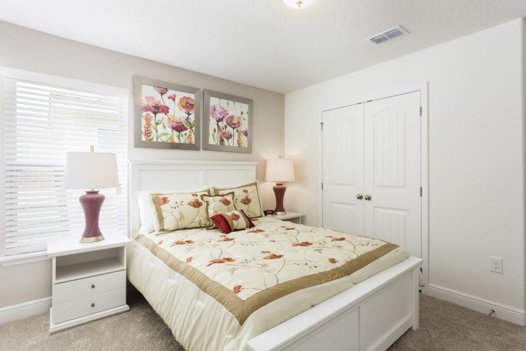 4328 Acorn Bedroom 7.jpg