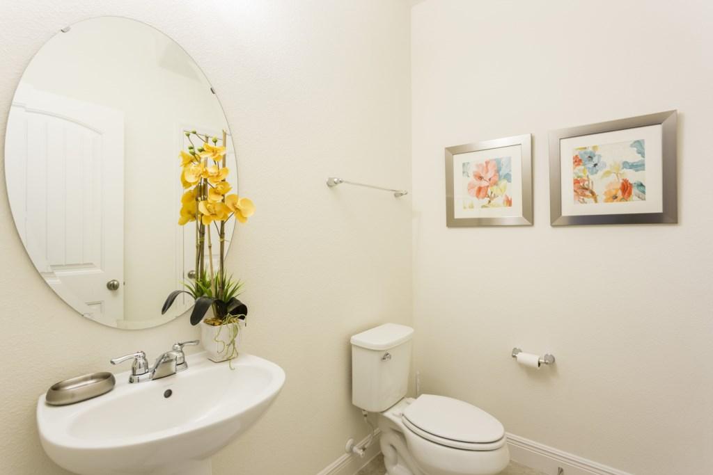 4328 Acorn Half Bath.jpg
