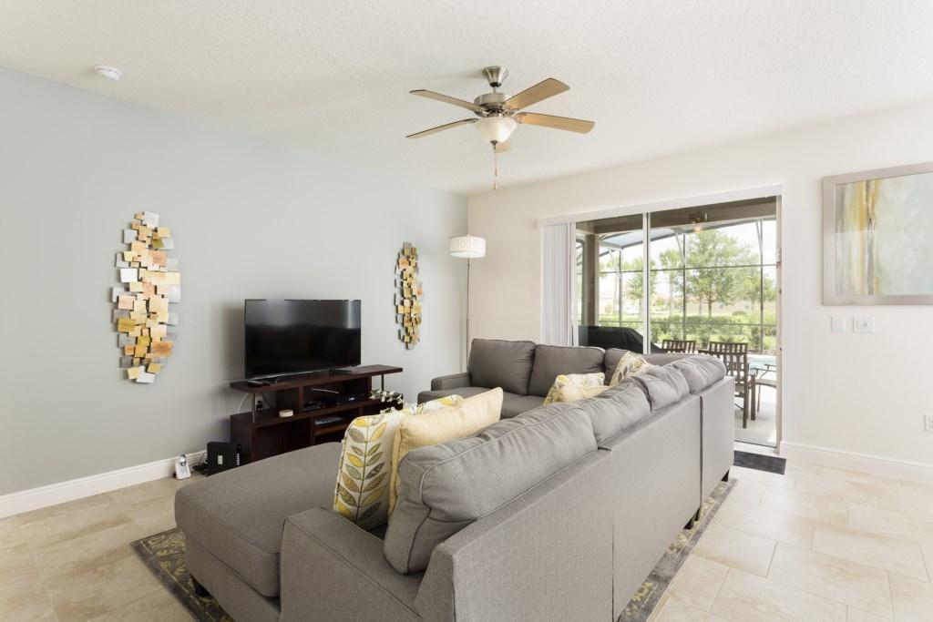 4328 Acorn Living Room-1.jpg
