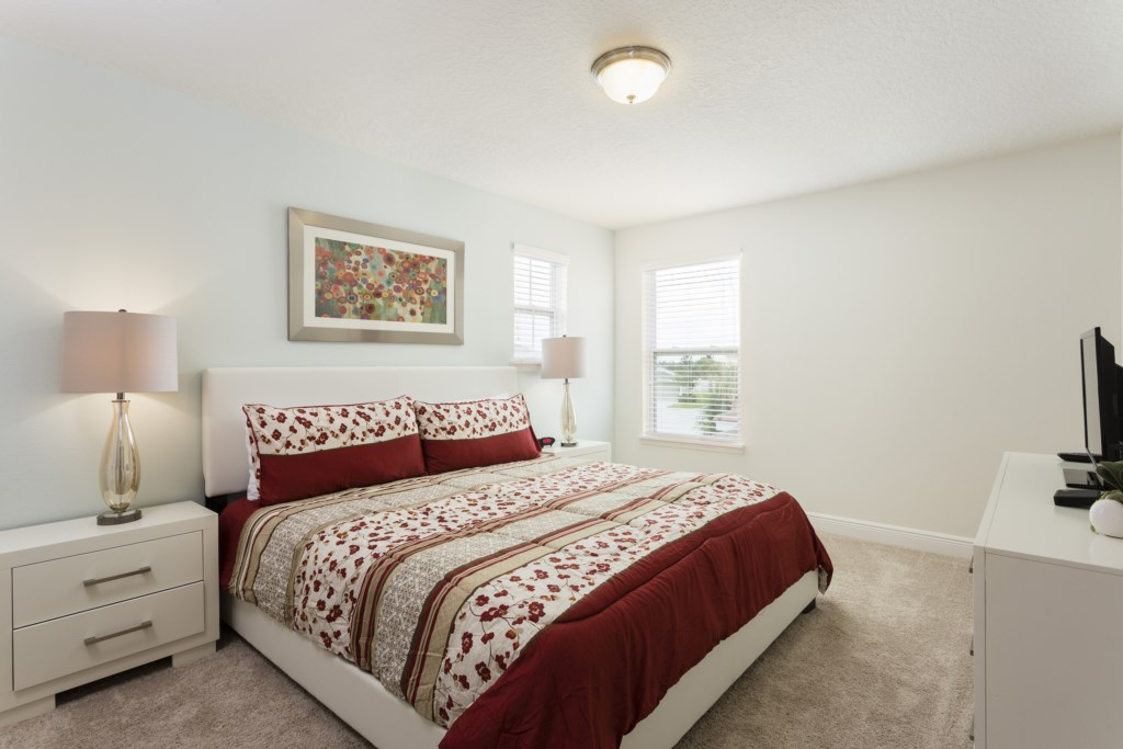 4328 Acorn Master Bed 2.jpg