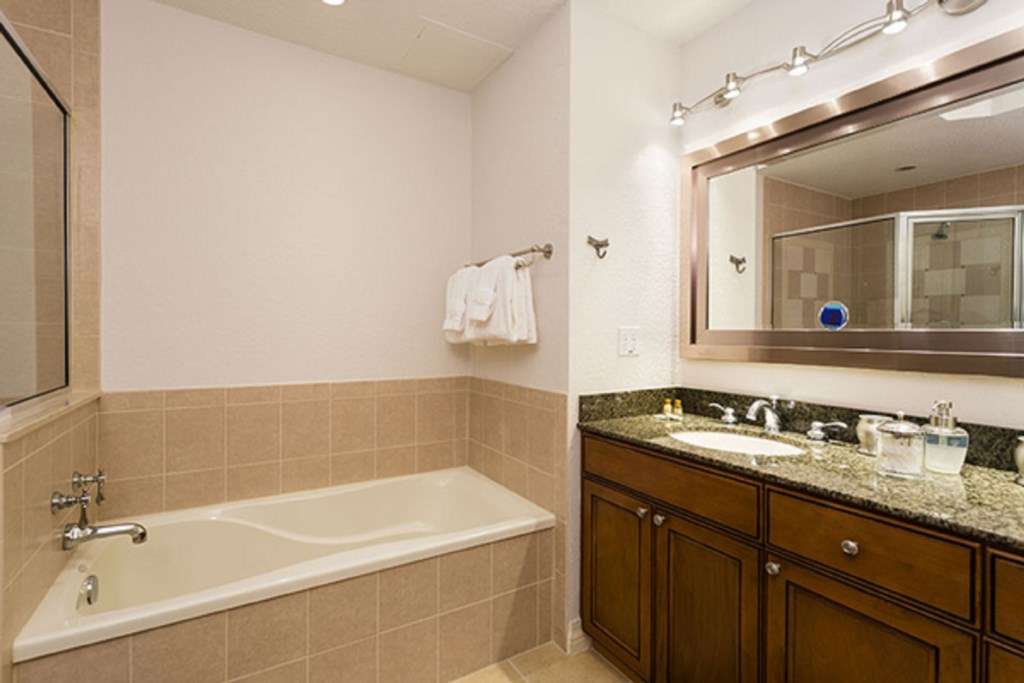 R107MasterBathroom1-Copy