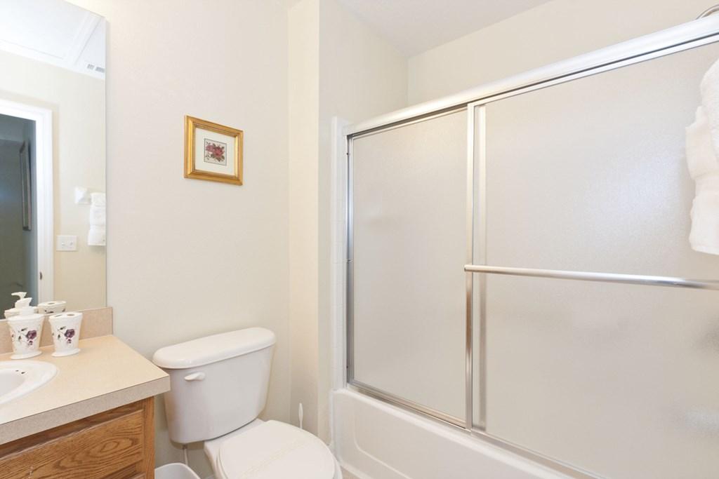 EM101_Bathroom2