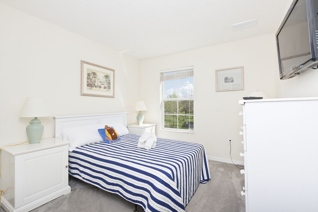 EM101_Bedroom2