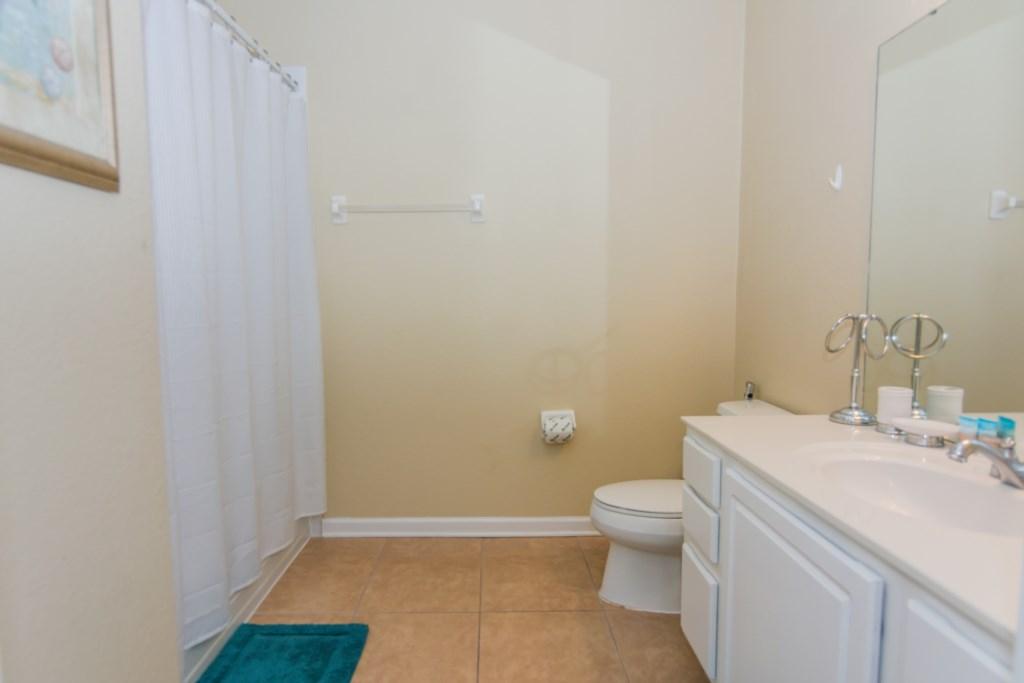 VC148 - Bathroom 1.jpg