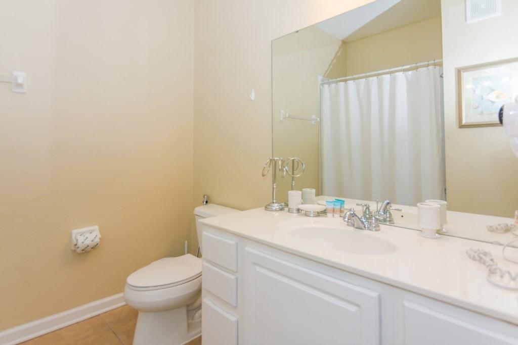 VC148 - Bathroom 2.jpg