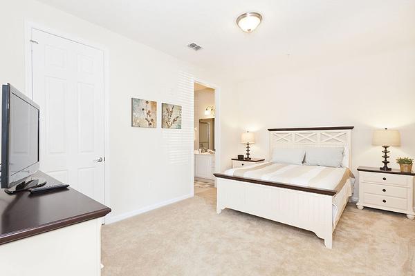 VC106_Bedroom2.jpg