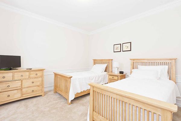 VC106_Bedroom3-2.jpg