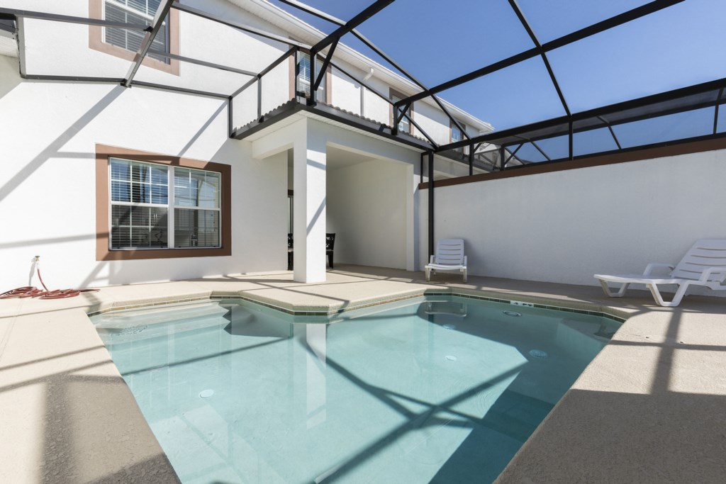 Lovely Vacation Townhouse with Pool SL3103