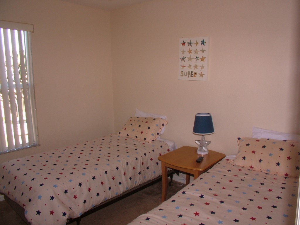 1sttwinbedroom