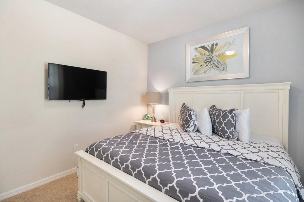 20_Stunning_Bedroom_with_TV_0721.jpg