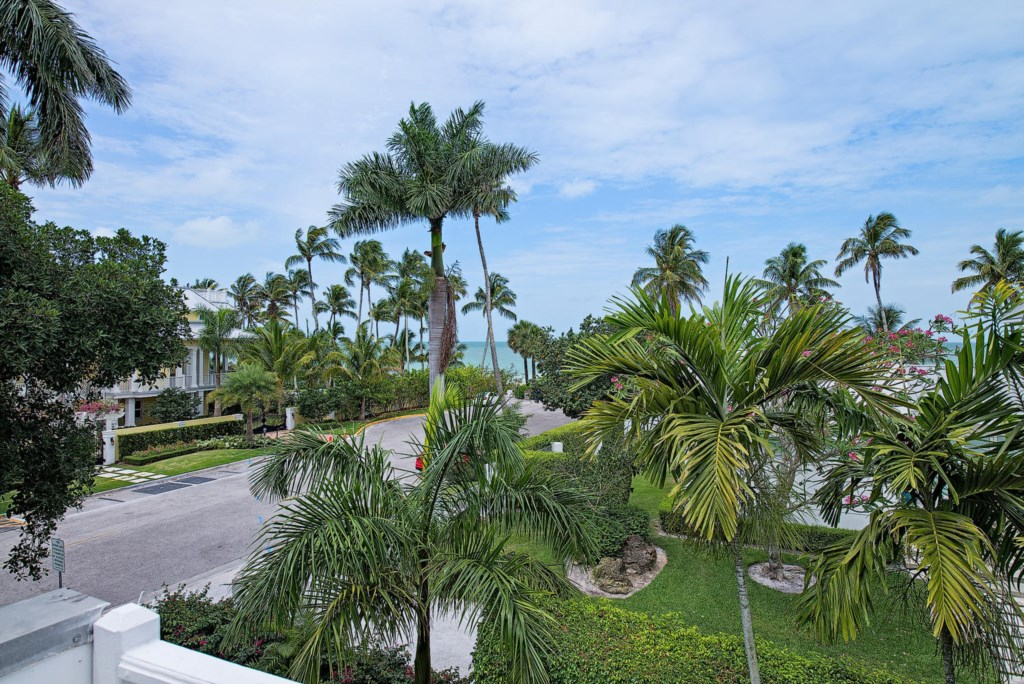 63 13th Ave S Naples FL 34102-large-021-017-View-1499x1000-72dpi.jpg