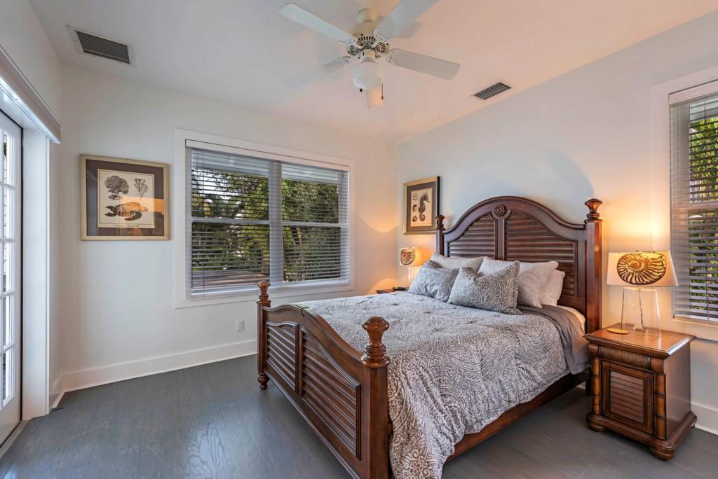 63 13th Ave S Naples FL 34102-large-029-035-Bedroom1-1499x1000-72dpi.jpg